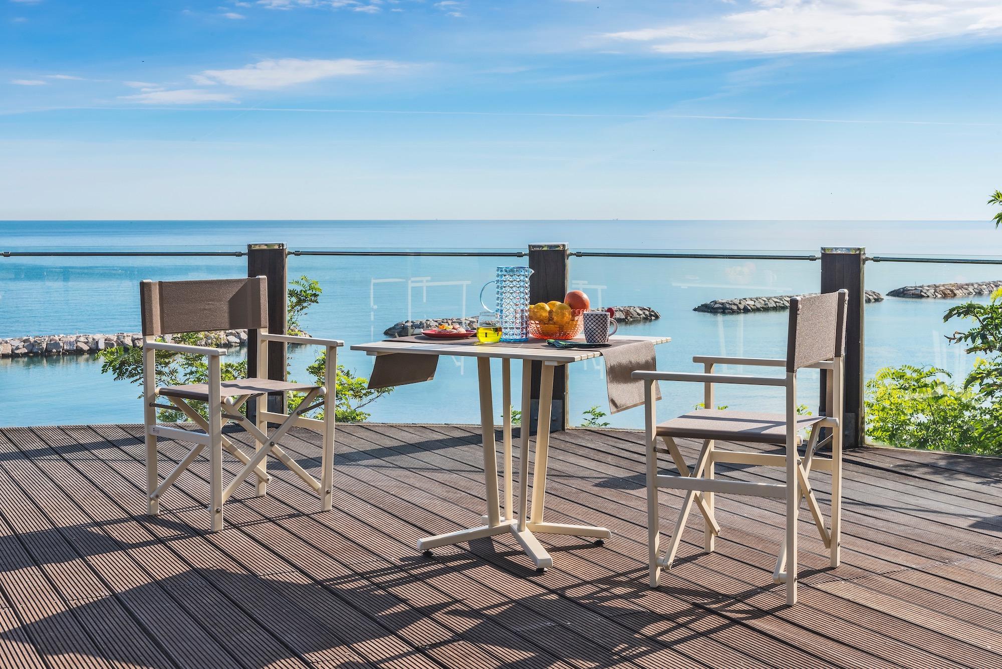 Chaise metteur en scène et table outdoor - Gasparini Collection