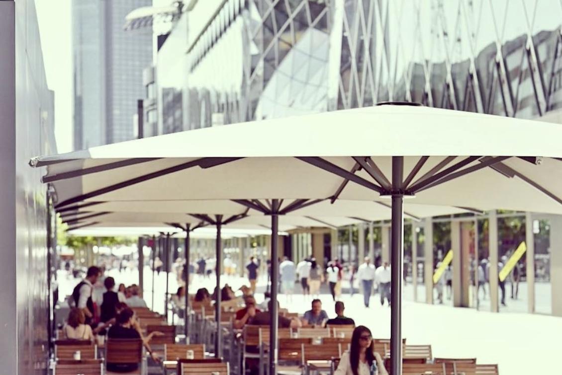 parasol grande taille résistant au vent à 60km h - parasol en aluminium pour bars restaurant terrasse et stations de ski 1